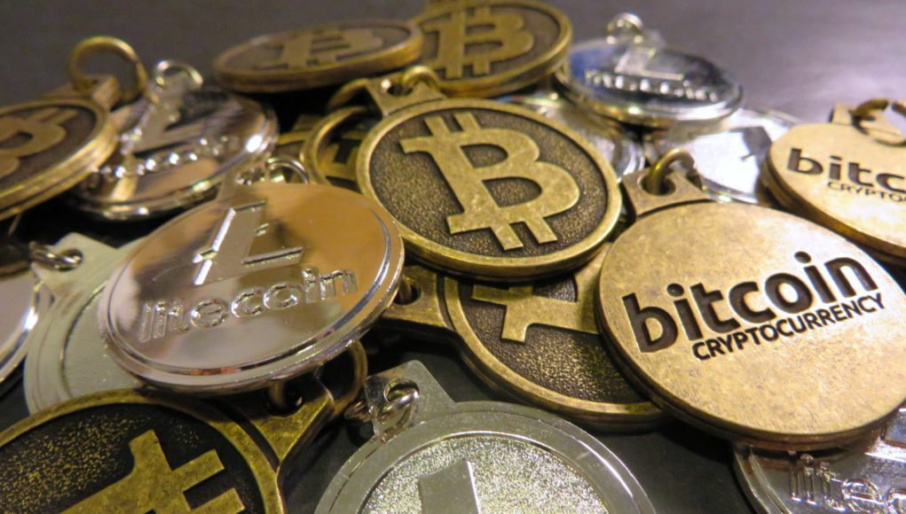 alphagamma-bitcoin-and-cryptocurrencies-what-you-should-know-entrepreneurship-1021x580.jpg